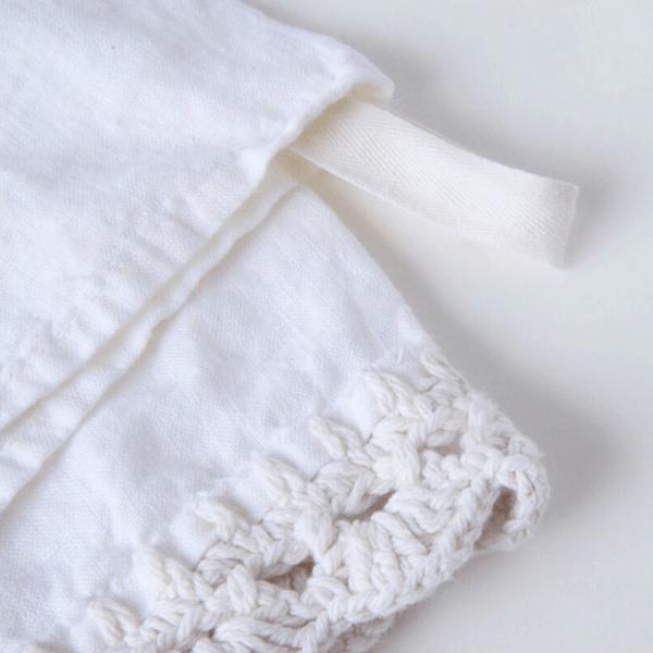 crochet edge of linen tea towel