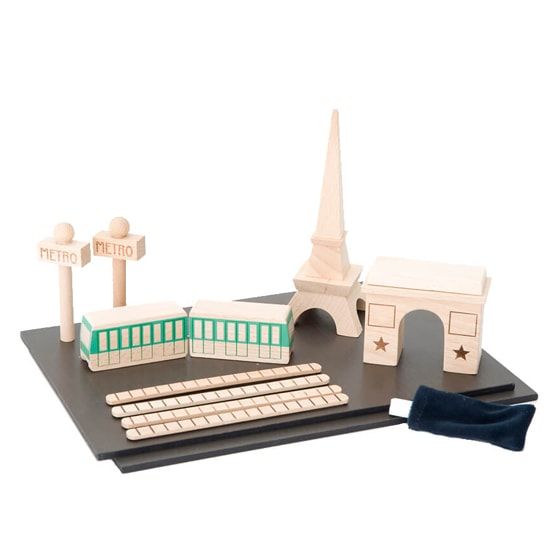 Tiny Paris Play Set Contents