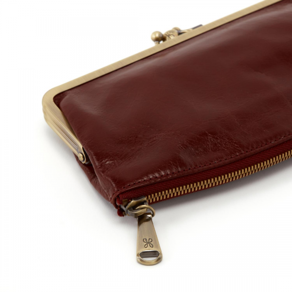 Hobo Chocolate Millie Wallet Detail