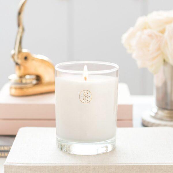 Sugar Paper Crisp White Linen Candle Lifestyle